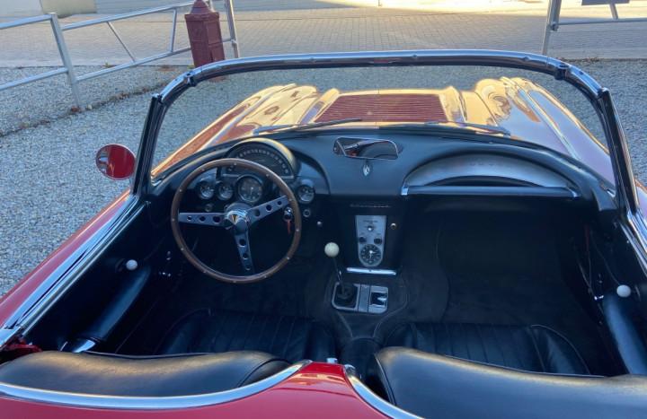 CHEVROLET Corvette C1 4