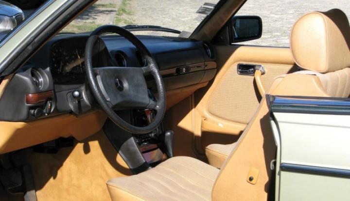 MERCEDES Type 123 230 CE coupé 1