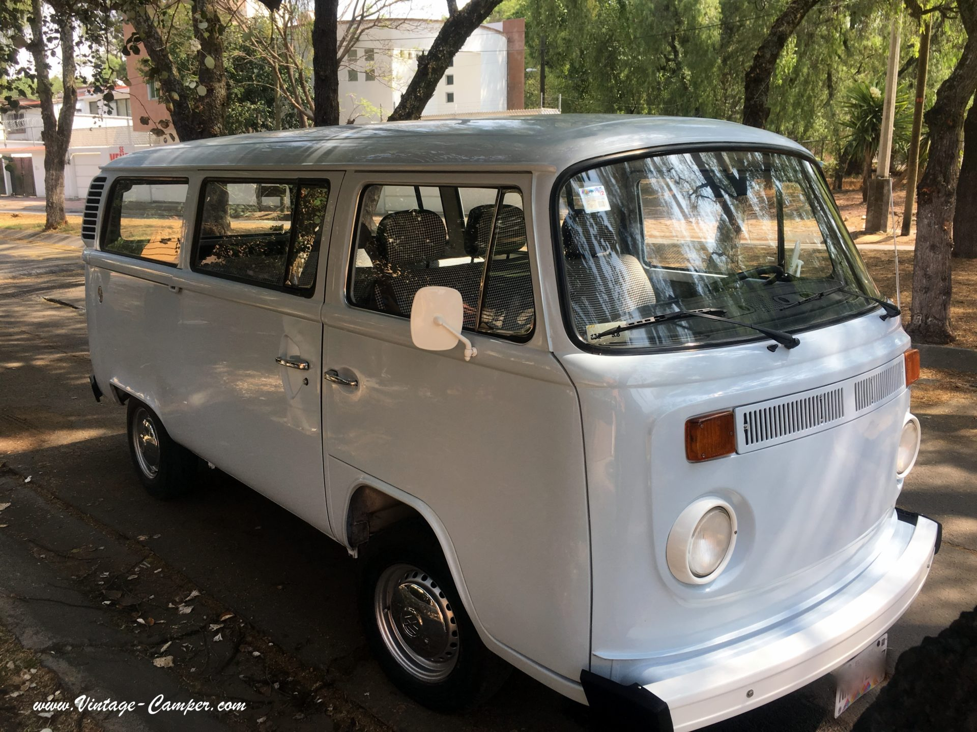 VOLKSWAGEN combi baywindow t2 minibus 4
