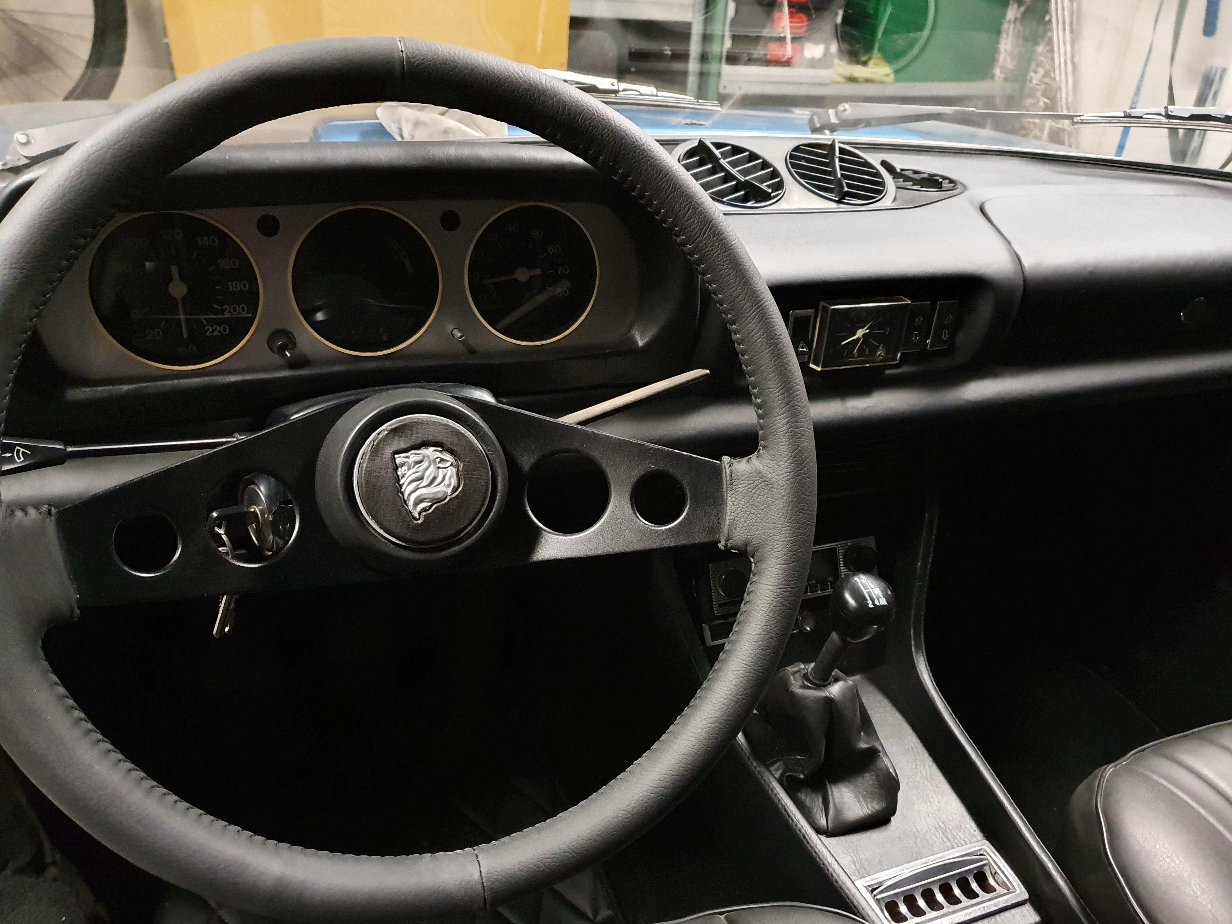 PEUGEOT 504 V6 Cabriolet 2