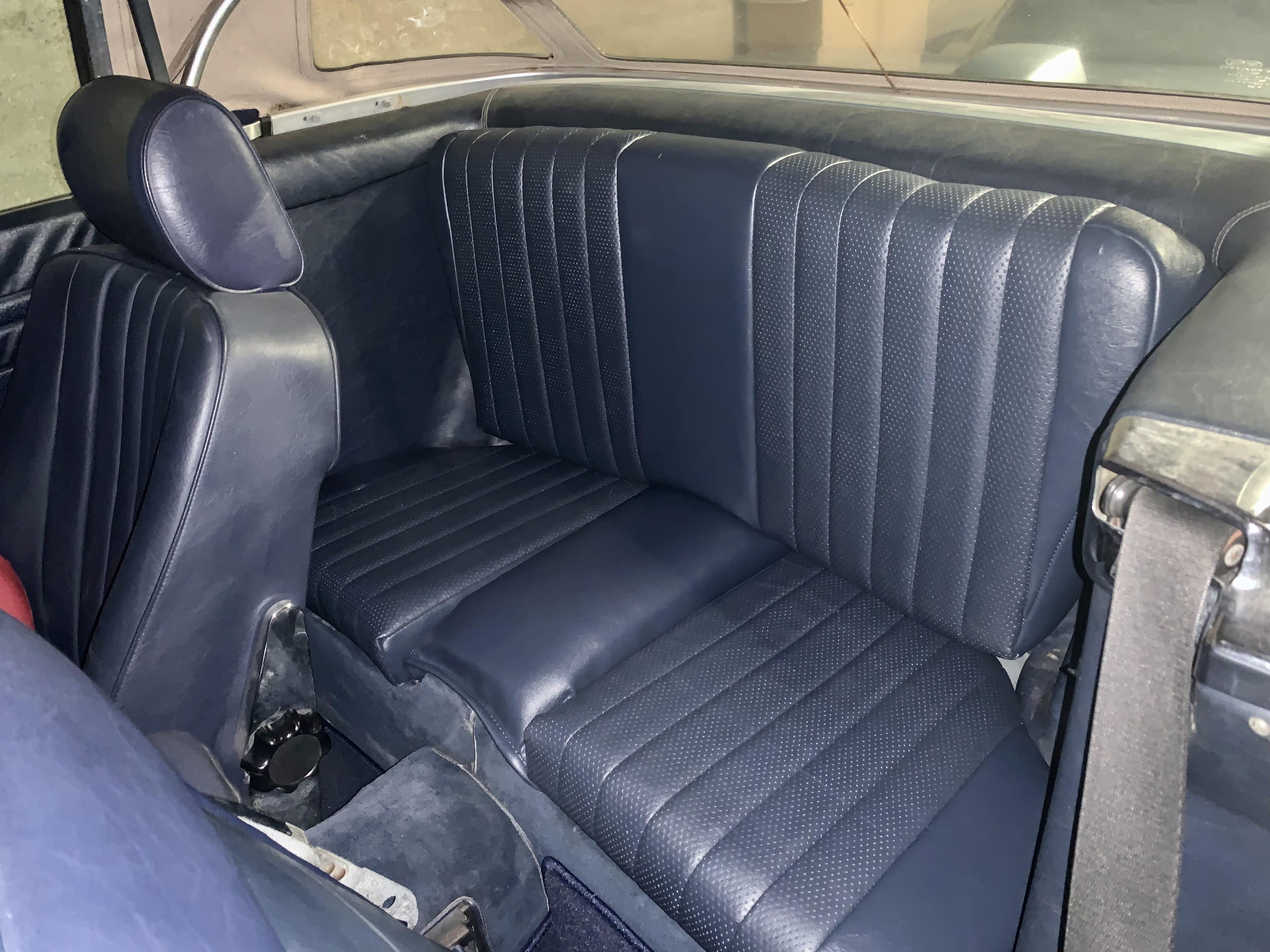 MERCEDES 560 SL R107 4