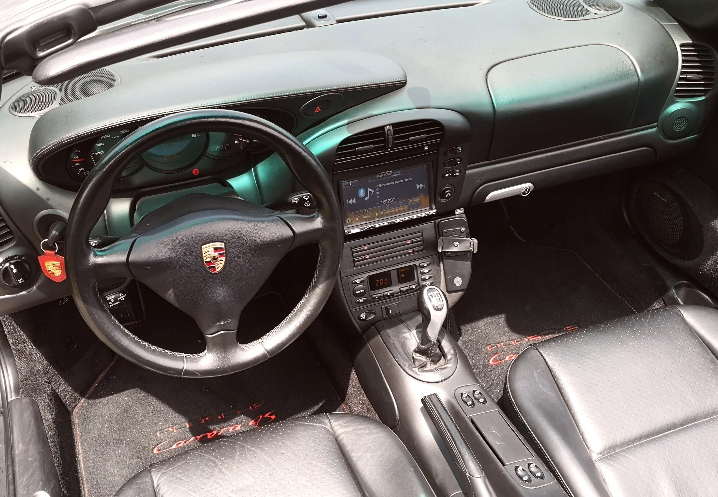 PORSCHE 911 Carrera 4S  4