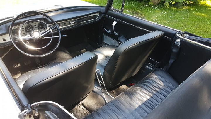 PEUGEOT 404 Cabriolet 2