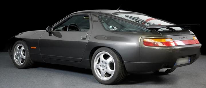 PORSCHE 928 GTS 1