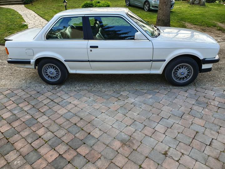 BMW e30 325iX 0
