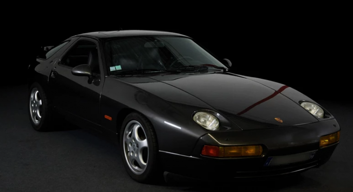 PORSCHE 928 GTS 0