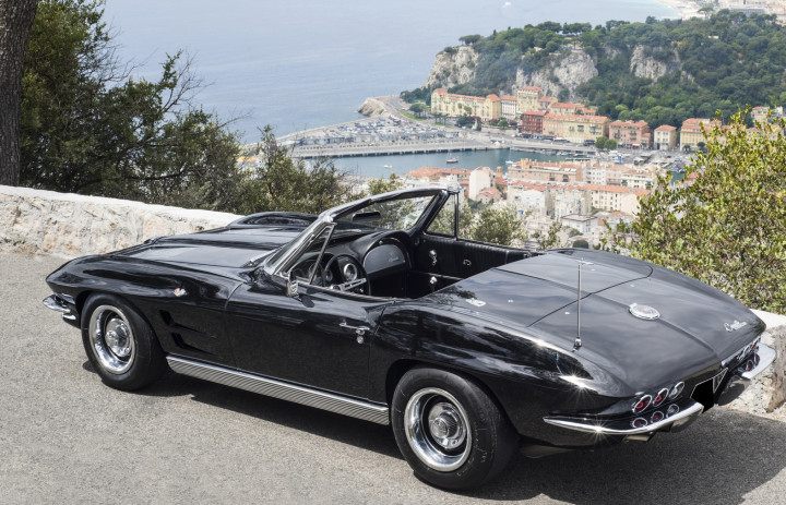 CHEVROLET Corvette Sting ray 1
