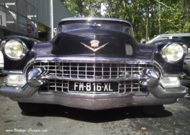 CADILLAC Cadillac Fleetwood 1