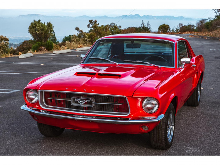 FORD Mustang 0