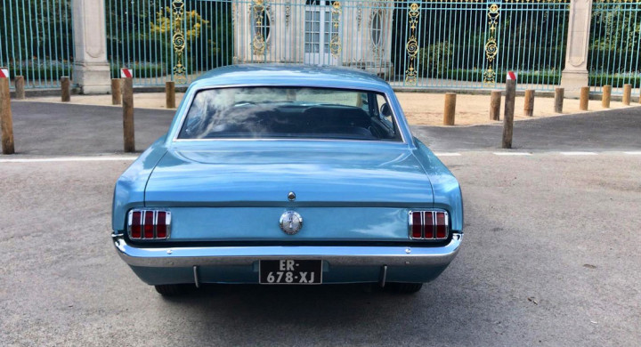 FORD Mustang 2