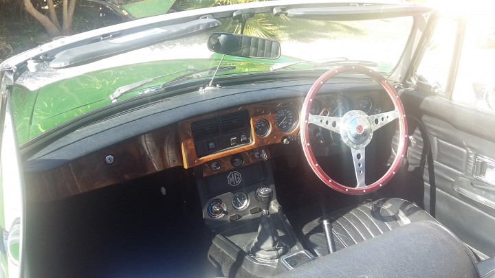 MG B Roadster 3