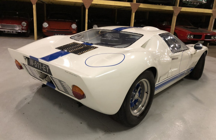 FORD GT40 4